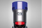 Dyson V7™ Fluffy コードレスクリーナー。より強力な吸引力が必要な時は、最大6分間、強モードに切り替えられます。
