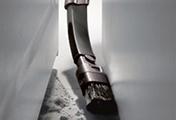 ダイソン DC48 タービンヘッド キャニスター型掃除機。 フレキシブル隙間ノズル。 伸ばして、曲げることもできるツールで、室内や車内の届きにくい隙間のお掃除に便利です。